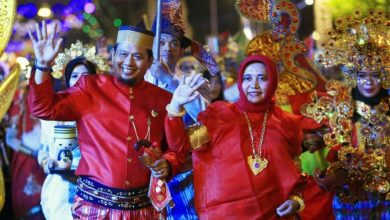 Photo of Baju Bodo dan Jas Tutup Ramaikan Semarang Night Carnaval 2019